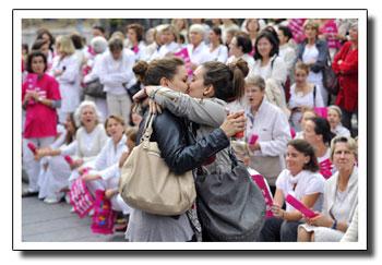 http://claire.video.free.fr/Blog/photos/baiser-lesbien.jpg